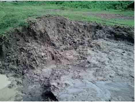 Gambar Tanah Liat sebagai Proses Pembuatan Genten